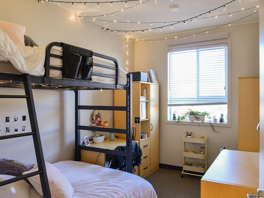 バンクーバーの大学で行われるサマーキャンプ